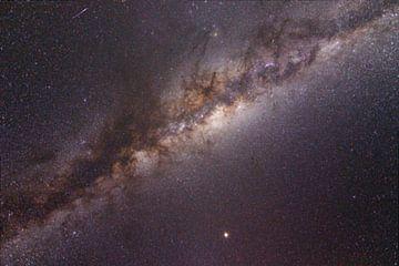 Galaxie mit einer Sternschnuppe von Lucas De Jong