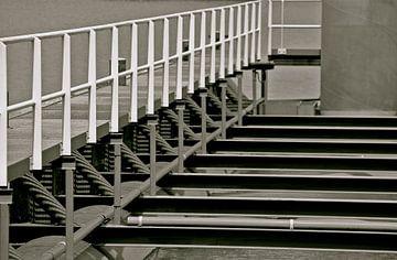 Lines, black and white van Artelier Gerdah