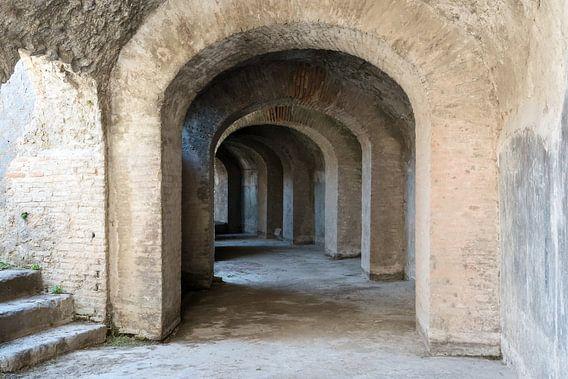 Catacomben van het Amfitheather in Pompeii van Jaco Verheul