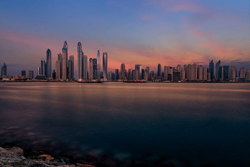 Dubai Marine Sunset van Michael van der Burg