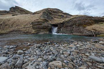 Rivier in Sudurland IJsland van Ruud van der Lubben