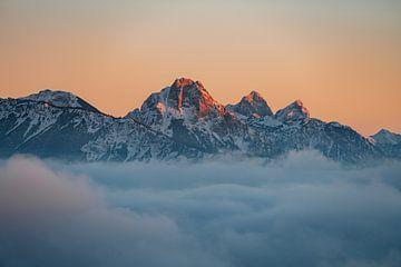 Alpengloren in de Allgäuer Alpen van Leo Schindzielorz