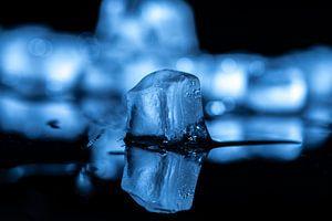 Spiegelend Blauw ijs