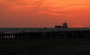 Schip voor de kustlijn van Westkapelle