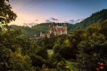 Sunrise bij Burg Eltz van Tim Wouters