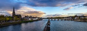 Maastricht - Mestreech met dreigende wolken II van Teun Ruijters