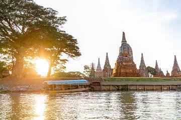 Bangkok Ayutthaya Thailand Fluss mit Tempelanlage van Felix Brönnimann