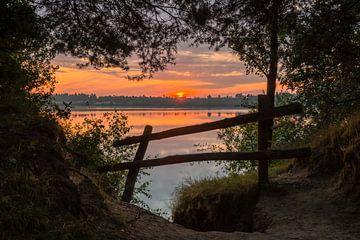 Sunrise Fence van William Mevissen