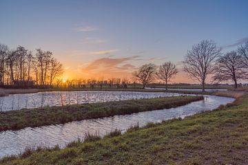 Sonnenuntergang im Polder von Rossum-Fotografie