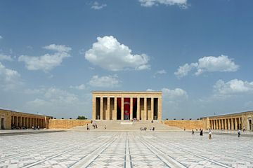 Das Mausoleum (Anitkabir) von Mustafa Kemal Atatürk. von Gert van Santen