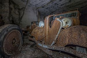 Oude auto's ( urbexlocatie )