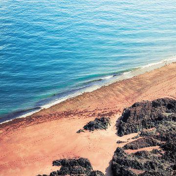 Felsenstrand - Luftaufnahme von Dirk Wüstenhagen