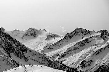 Oostenrijkse Alpen in zwart wit