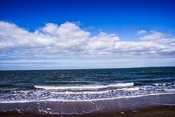 Wolkenlucht boven de Noordzee. van Edwin Harpe