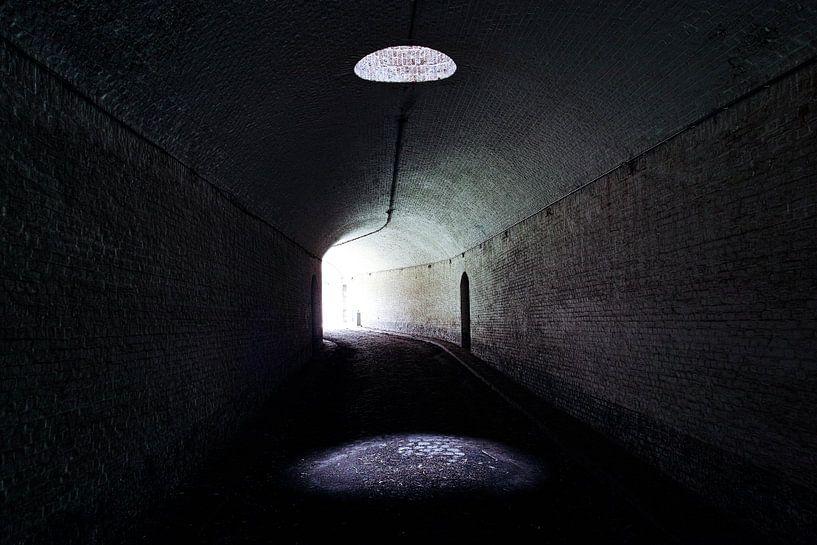 Spotlight in de tunnel van Devin Meijer