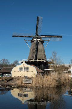 Molen de Ster in Utrecht langs de Leidsche Rijn in kleur van