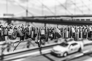 Liefdesslotjes aan de Brooklyn Bridge