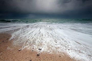 Stormy waves sur Olha Rohulya