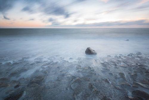 Staring at the Sea van Jeroen Kleverwal
