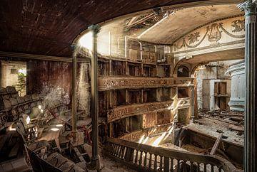 Teatro Balconi sur Esmeralda holman