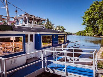 Excursie per boot op de rivier de Saale bij Bernburg van Animaflora PicsStock
