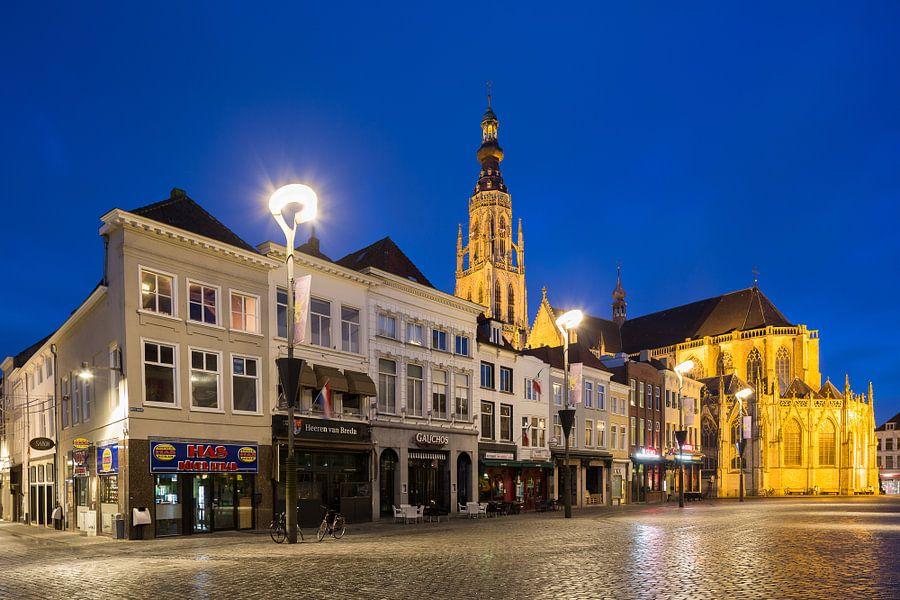Grote Markt Breda in de ochtend van Jean-Paul Wagemakers