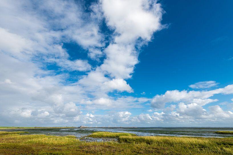 Das Wattenmeer bei Ebbe bei Schiermonnikoog von John Verbruggen
