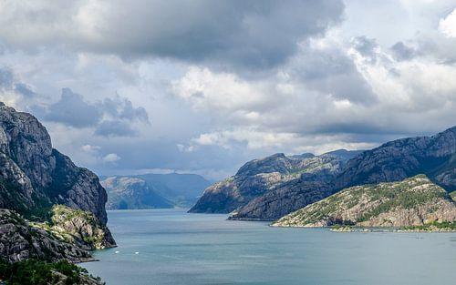 Wolken boven het Lysefjord