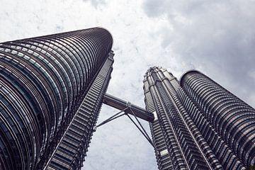 Kuala Lumpur skyscrapers van Jolene van den Berg