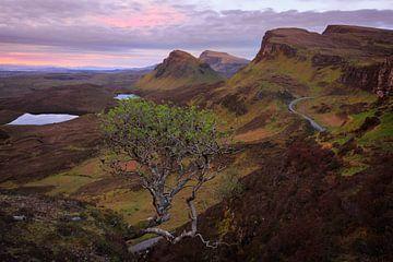 Quiraing Berge Landschaft auf Skye kurz vor Sonnenaufgang von iPics Photography