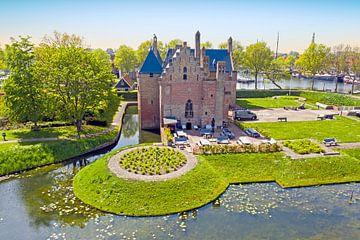 Luchtfoto van het Radboud kasteel in Medemblik van Nisangha Masselink