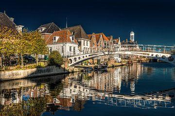 Zicht op het Kleindiep in het Friese stadje Dokkum in het noorden van de provincie van Harrie Muis