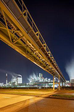 Pipeline Brug a rencontré petrochemische Fabriek dans de nacht, Antwerpen 2 sur Tony Vingerhoets