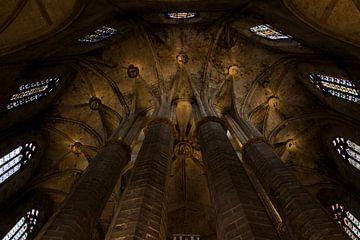 Plafond Santa María del Mar in Barcelona van Nathalie Doesburg