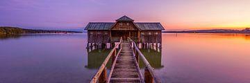 Bootshaus bei  Sonnenuntergang von Denis Feiner