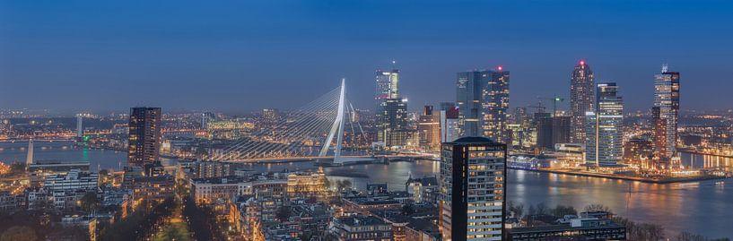 Panorama skyline Rotterdam (kleur) van PJS foto