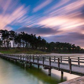 Henschotermeer met wolkenlucht van Marcel van den Bos