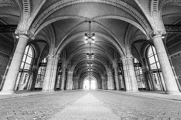 Tunnel passage onder het Rijksmuseum in Amsterdam in zwart-wit van Sjoerd van der Wal