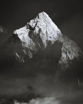 Ama Dablam (6812m) Über den Wolken von Roy Mosterd