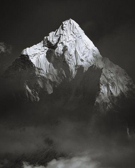 Ama Dablam (6812m) Above the Clouds