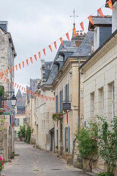 Straße in der mittelalterlichen Stadt Chinon in Frankreich.