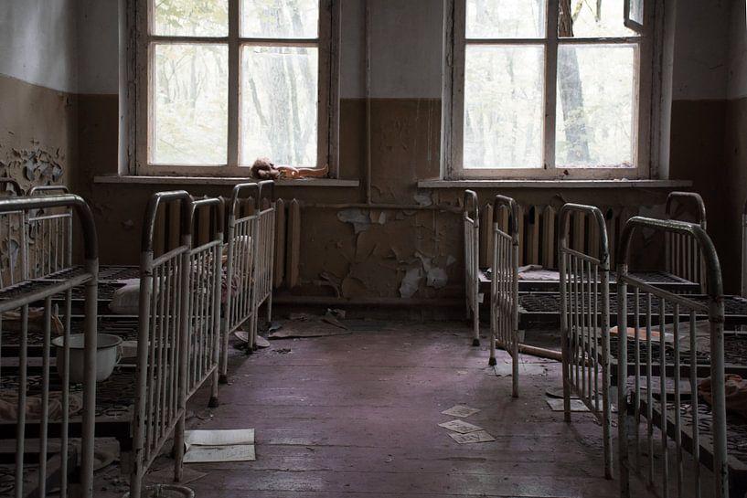 Pripyat kindergarten van Tim Vlielander