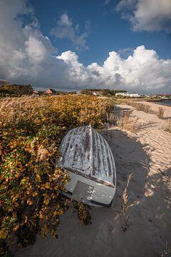 Das alte Boot am Strand von Beate Zoellner