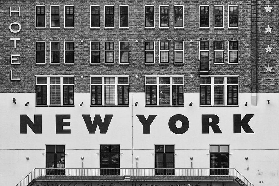 Hotel New York Rotterdam van Michèle Huge