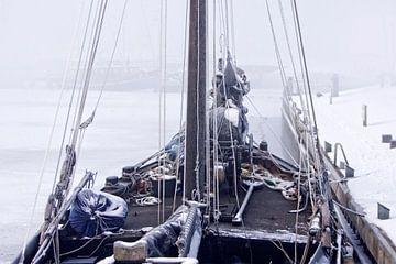 Schip in ijs van Wybrich Warns