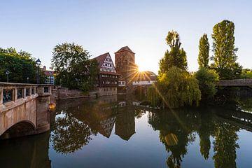 La vieille ville de Sebalder à Nuremberg le matin sur Werner Dieterich