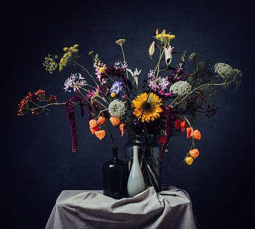 Nature morte des fleurs sur Corine de Ruiter