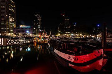 Rotterdam bij Nacht de haven. van
