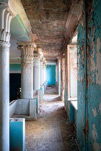 Verlassener Blauer Korridor.