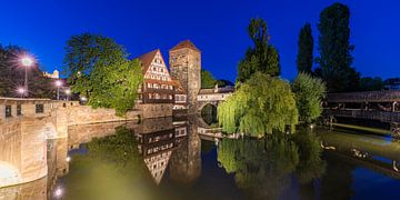La vieille ville de Nuremberg la nuit sur Werner Dieterich
